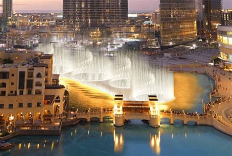 Dubai - Largest Water Fountain Show in the World | Urban