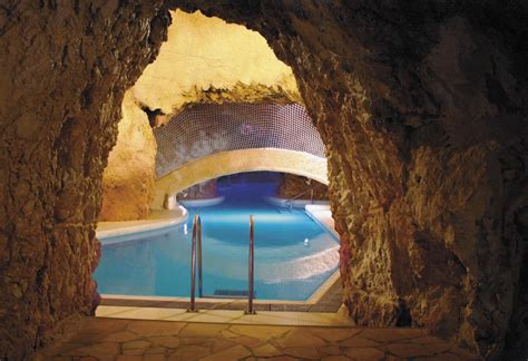 5 facts about the unique cave bath of Miskolctapolca (Hungary)
