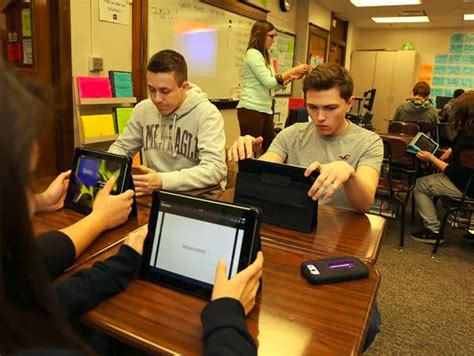 How do East students use technology to study? – Eastside