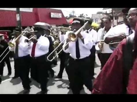New Orleans Jazz Funeral March - YouTube