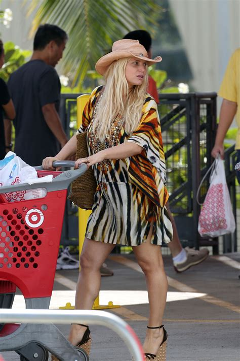 JESSICA SIMPSON Out Shopping at Target in Hawaii – HawtCelebs