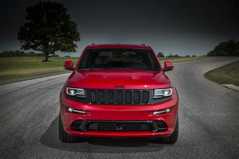 2015 Jeep Grand Cherokee SRT is No Hellcat - autoevolution